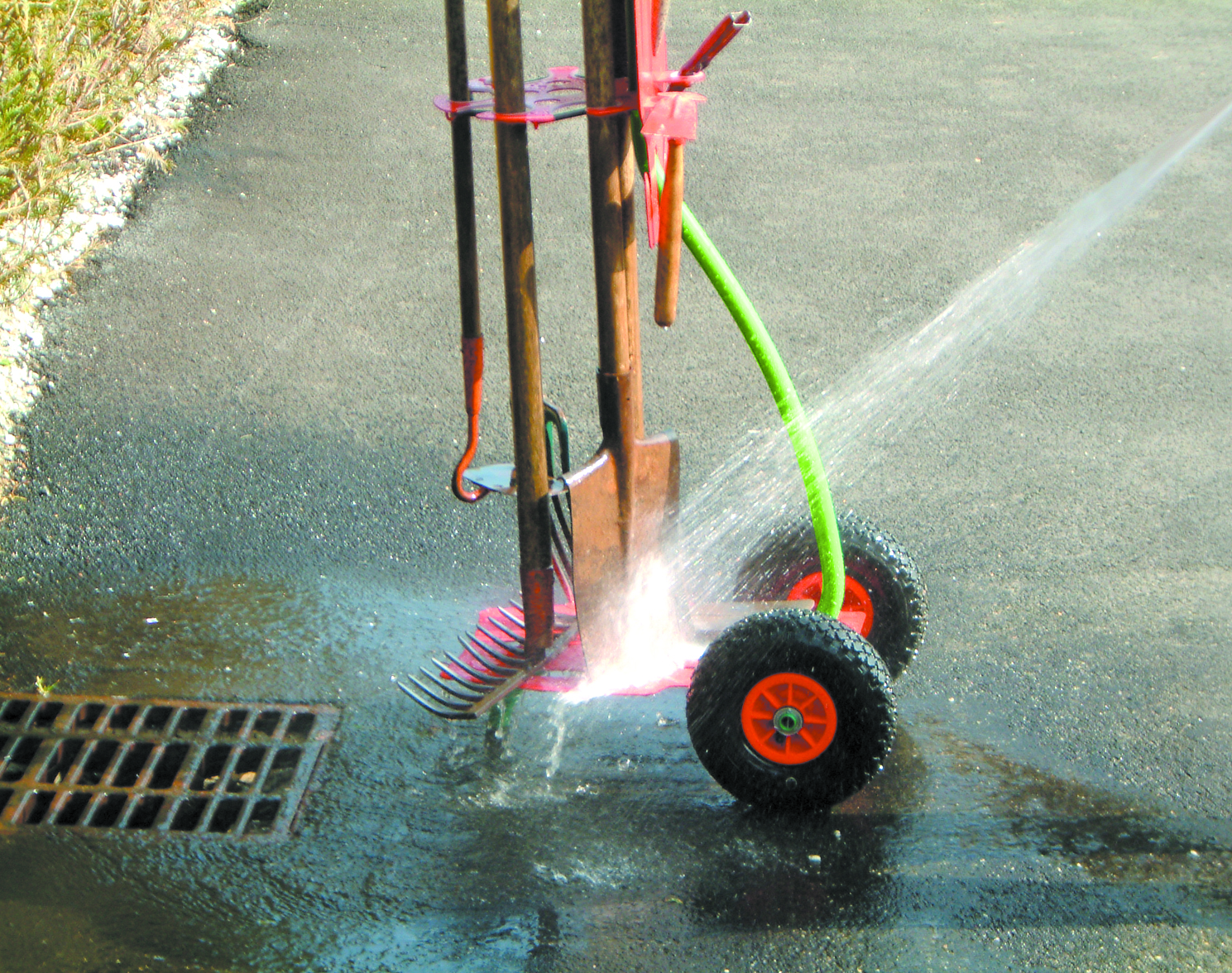 Cleant garden trolley