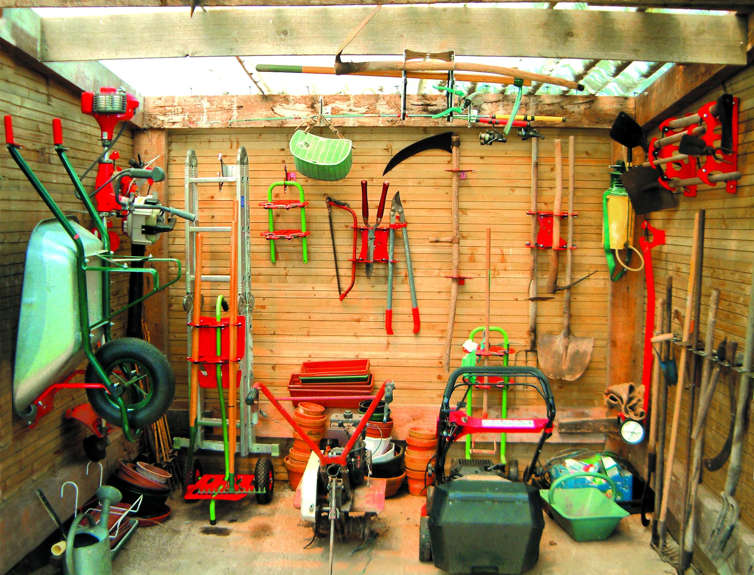 make a shed tidy